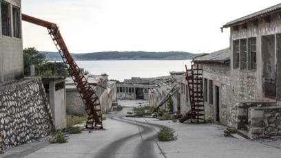 """Goli otok: Od 1956. do 1980. godine, kompleks je zvanično korišćen kao logor za prevaspitavanje """"protivnika komunizma"""""""
