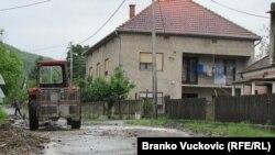 Pamje nga vërshimet në një fshat afër Kralevës ë Serbi