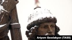 Statuia lui Vladimir cel Mare în Piața Borovițkaia la Moscova
