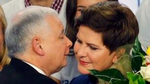 Jaroslaw Kaczynski (PiS) cu premiera Beata Szydlo