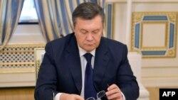 Віктор Янукович перед підписанням угоди з опозицією, 21 лютого 2014 року
