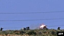 شلیک شبه نظامیان به نیروهای حامی قذافی در نزدیکی شهر بن جواد