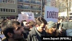 Sukobi na protestima u Prištini