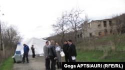 Встречу инициировали представители Миссии наблюдателей Евросоюза в Грузии в связи со вчерашним инцидентом