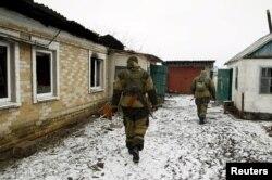Бойцы отряда донбасских сепаратистов под Мариуполем. Январь 2016 года