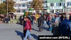 Stambul: Ogurlykda aýyplanýan türkmenistanly migrant jübüde 5 ýyl kesildi