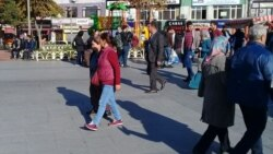 Migrantlar Stambulyň migrasiýa edarasynyň öňünde protest geçirdi