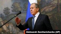 Міністр закордонних справ Росії Сергій Лавров напередодні заявив про дзеркальні заходи щодо країн, що видворили російських дипломатичних співробітників