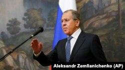Lavrov pozvao američkog ambasadora u Moskvi Johna Huntsmana kojemu su predočene mjere o protjerivanju diplomata i zatvaranju konzularnog predstavništva