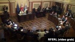 Правительство грузинской столицы, представленное сегодня вице-мэром, было утверждено большинством сакребуло