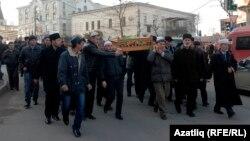 2014 senesi yanvarniñ on yedisi, Zampira Asanovanıñ cenazesi