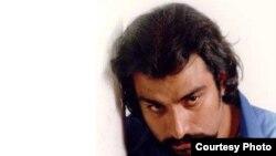 ناصر عبداللهی روز چهارشنبه هفته گذشته در بیمارستانی در تهران درگذشت و علت مرگ وی «از کار افتادن کلیه هایش» اعلام شد.