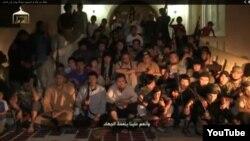 """""""Сирияға жиһадқа барған 150 қазақ"""" екенін айтқан адамдар. (YouTube видеосынан скриншот)"""