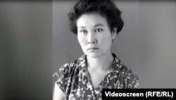 """Лиля Турусбекова, ВГИКтин студенти (1951-1955-жж). """"Биринчи карлыгач"""" даректүү фильминен. Режиссёру Рая Шаршенова."""