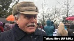 Alecu Reniță la o acțiune de protest în fața ambasadei Ucrainei la Chișinău
