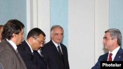 Prezident Sarkisyan Azərbaycan ziyalıları ilə görüşür, Yerevan, 3 iyul 2009