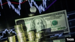 С начала февраля цена нефти выросла почти на треть, курс рубля к доллару - втрое меньше