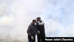 Тегерандын көчөлөрүн дезинфекциялоо, 15-март, 2020-жыл.