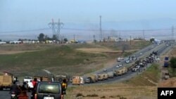 Konvoj pešmergi prolazi kroz Tursku ka granici sa Sirijom