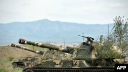 Nagorno-Karabah, mobilne artiljeriske jedinice samoodbrane drže pozicije u Hadrutu, u blizini iranske granice, 5. travnja 2016.