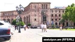 Երևան, Տրանսպորտի, կապի և տեղեկատվական տեխնոլոգիաների նախարարության շենքը