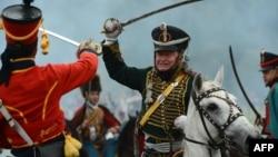 Участники исторического клуба воспроизводят битву под Бородино