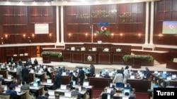 Deputatlar baş redaktorun azadlığa buraxılmasını istəyirlər