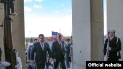Степан Полторак и Джеймс Мэттис перед встречей в Пентагоне. 2 февраля 2018 года.