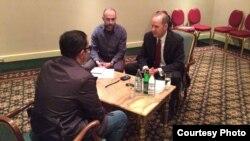 Армения - Глава департамента по борьбе с терроризмом с применением оружия массового поражения Госдепартамента США Джеффри Адлам дает интервью Радио Азатутюн, Ереван, 4 апреля 2014 г.