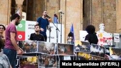 По делу о разгоне митинга в ночь на 21 июня отстранены от работы 10 правоохранителей, задержаны четыре человека по обвинению в нападении на полицейских во время митинга