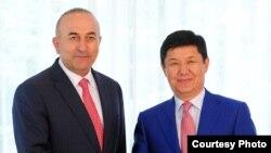Мевлют Чавушоглу и Темир Сариев.