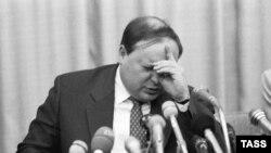 Егор Гайдар, 1994 г.
