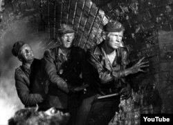 """Andrzej Wajdanın """"Kanal"""" filmindən bir kadr."""