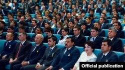 Ахмаджон Усманов, снятый 4 февраля с должности хокима Ташкентской области, изгнан из Сената Олий Мажлиса.