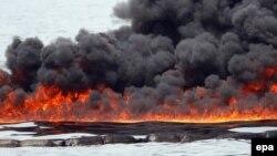 """Meksika körfəzində """"Deepwater Horizon"""" yatağındakı neft axıntısı"""
