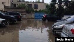 Arhiv fotoresimi, Aqyarda yağmur