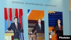 Получается достаточно интересная ситуация, когда будут бороться за места в парламенте ведущие политические силы, которые фактически возглавляются или находятся под контролем всех трех президентов Армении