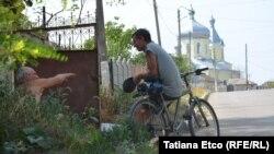 Răzeni: prin obiectivul Tatianei Eţco