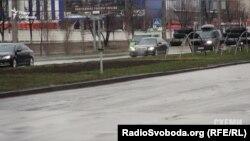 Кортеж Яценюка проезжает по улице Богатырской