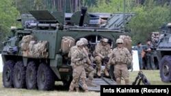 Вайскоўцы NATO на вучэньнях у Польшчы, чэрвень 2017