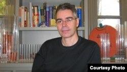Profesorul Simon Morrison de la Universitatea Princeton