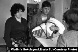 Înregistrarea unui nou-născut, în octombrie 1983