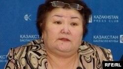 """Председатель общественного объединения """"Ар-намыс"""" Галия Амиртаева. Алматы, 4 февраля 2009 года."""