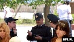 Orta və ali təhsil müəssisələrinin qarşısında asayişin qorunması üçün polis naryadlarının sayı artırılacaq
