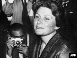 Svetlana Allilueva, New York, 27 aprilie 1967