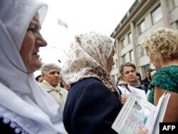 Srebreničanke pred Haškim tribunalom, 2009.