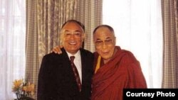 Erkin Alptekin (s) Dalay Lama belän
