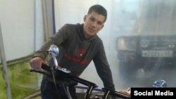"""Айдарбек автоунаа жууган жайда иштечү. Сүрөттү """"Азаттыкка"""" Түштүк Сахалиндеги кыргыз диаспорасы берди."""