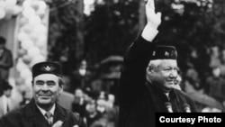 Yeltsin Mintimer Şaymiyevin Tatarıstanına geniş muxtariyyət vermişdi