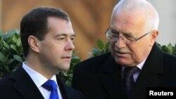 Медведев (с) Чехия президенты Вацлав Клаус белән.